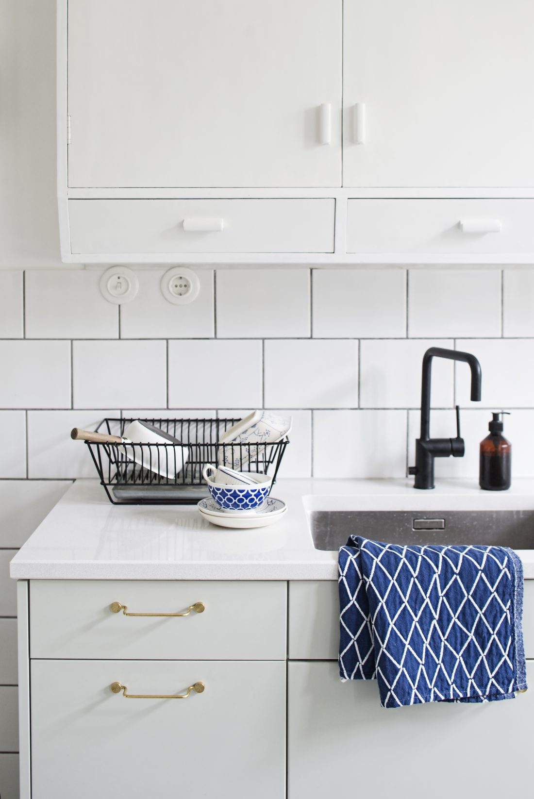 Katinka Kreative kitchen teacups and sink sustainable design